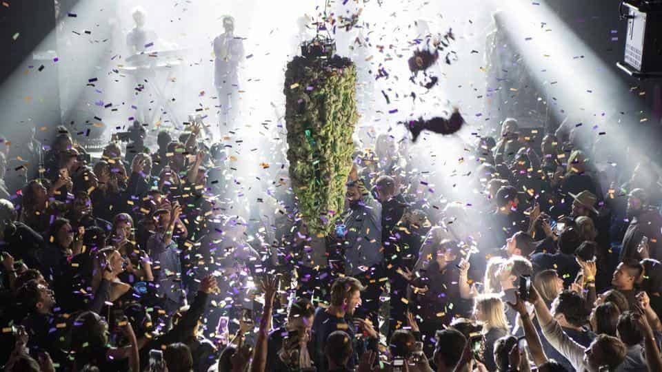 aptopix-canada-marijuana-legalization_592942de-d1d2-11e8-841e-211dfd3178e1
